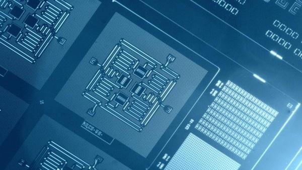 Долгожданная схватка квантовых компьютеров