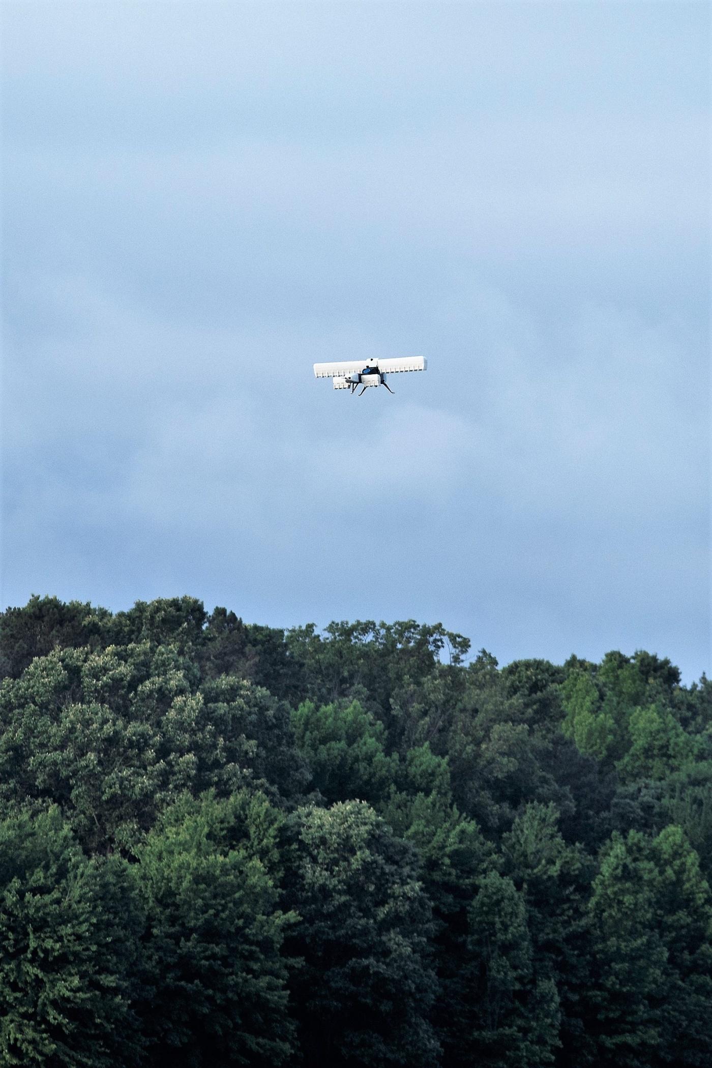 В DARPA провели испытания гибридного летательного аппарата.