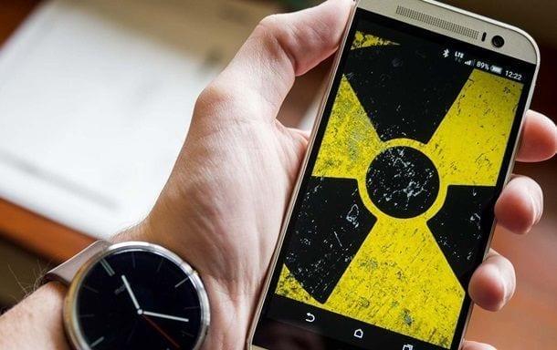 Смартфоны с самым сильным и самым слабым излучением радиации